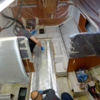 Havarieschaden: Laminierarbeiten im Kielbereich